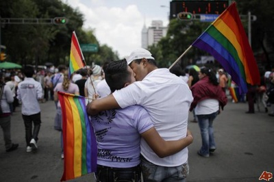 A22mexico-gay-pride-parade-2009-6-20-19-21-8