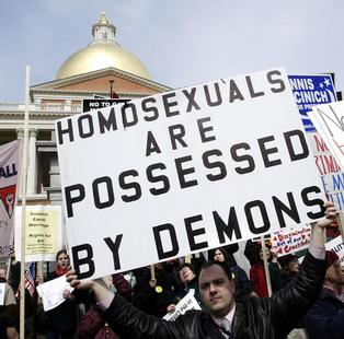 A08gay_marriage_opponents-1-731273